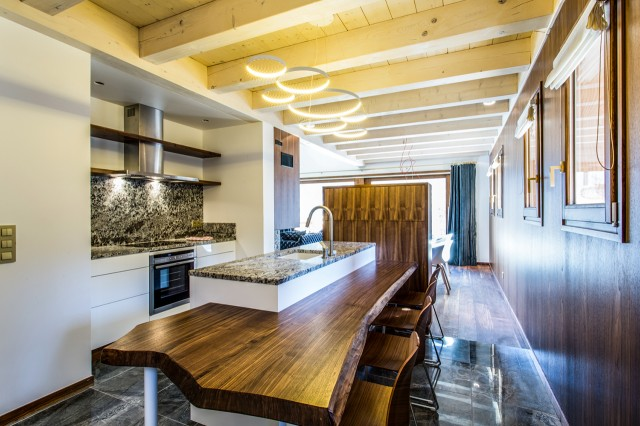 Luxury SPA Chalet - Open kitchen