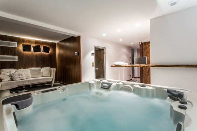 Luxury SPA Chalet - Jacuzzi