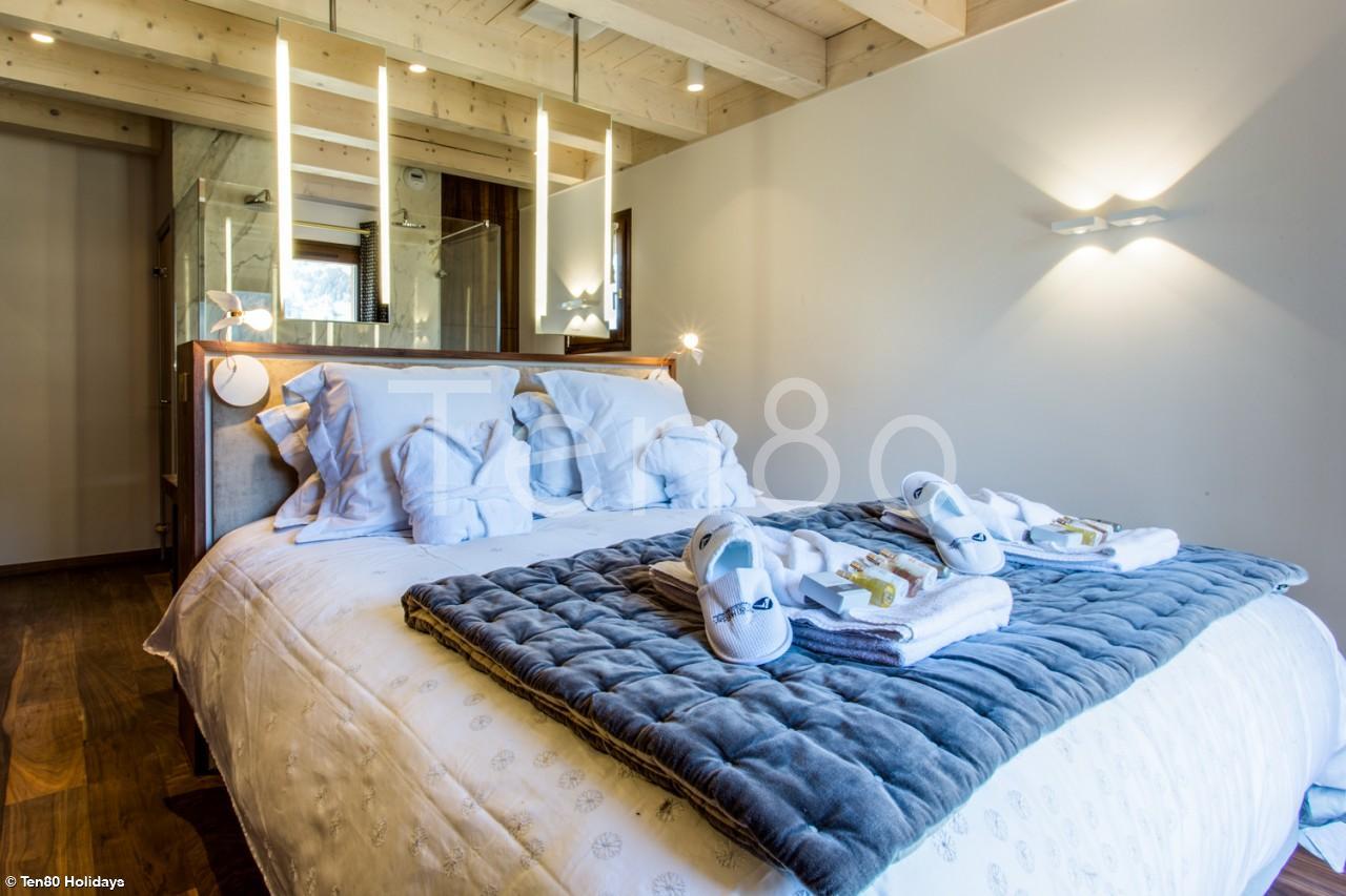 White Diamond   Stunning 5 bedroom spa chalet   Luxury Ski Chalets ...
