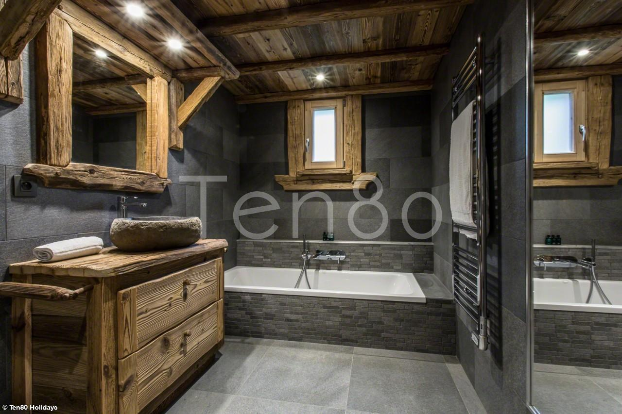 luxury ski chalets chamonix chalet chal 39 heureux ten80. Black Bedroom Furniture Sets. Home Design Ideas