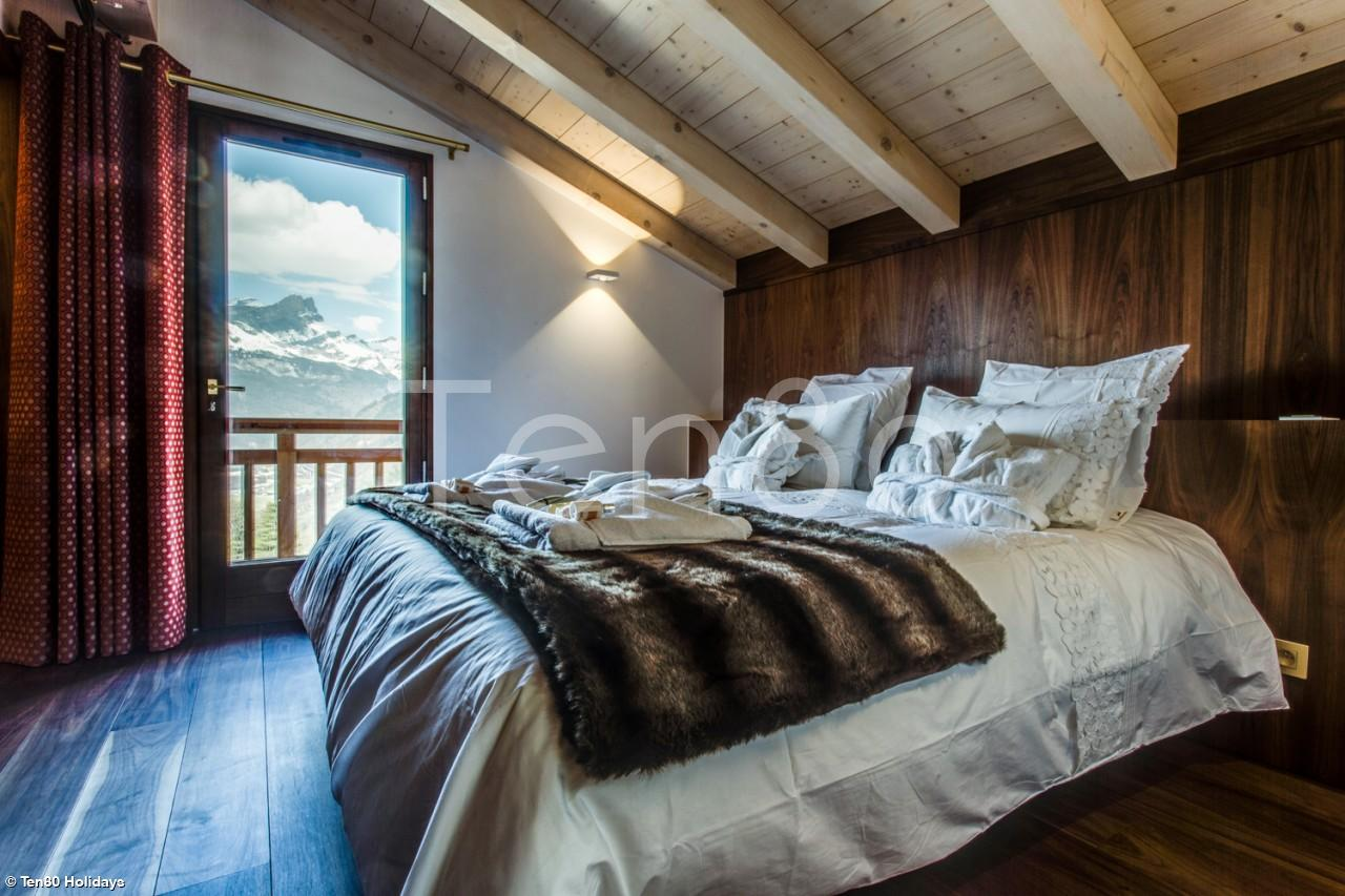 White Diamond | Stunning 5 bedroom spa chalet | Luxury Ski Chalets ...